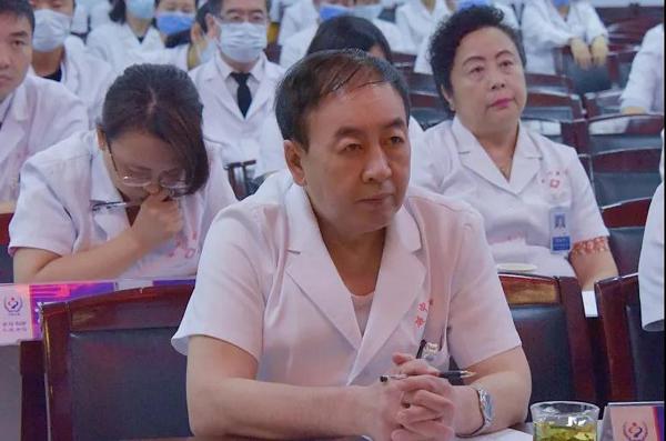 承德市政协副主席、我院院长李建华出席演讲会并担任评委