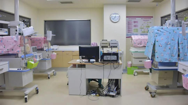 设备先进的新生儿病房